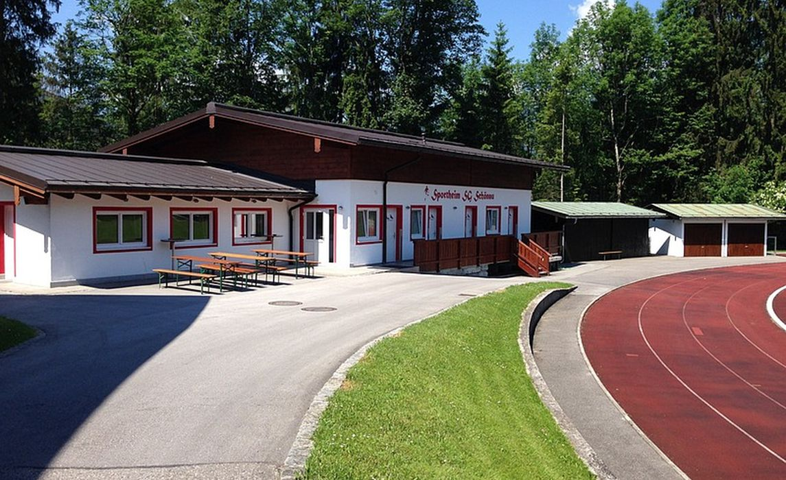 Sportplatz 10