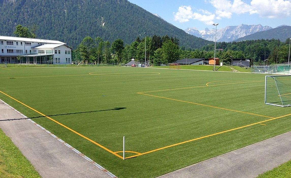 Sportplatz 3